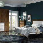 Синий в спальне