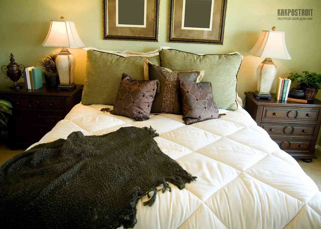 Оливковый цвет в интерьере спальни