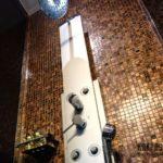 Как укладывается плитка мозаика для ванной комнаты