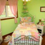 Расположение кровати в детской