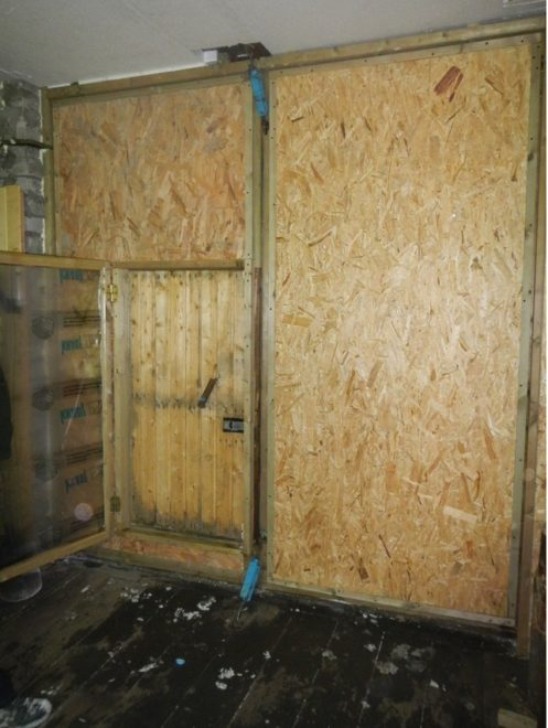 Облицованная гаражная дверь