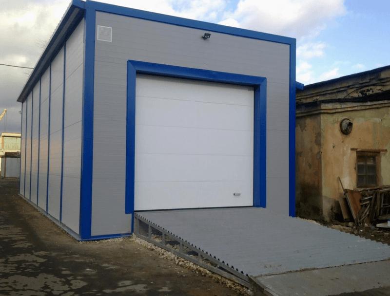 Самостоятельно построенный гараж из сэндвич панелей