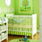 Салатовые стены в комнате младенца