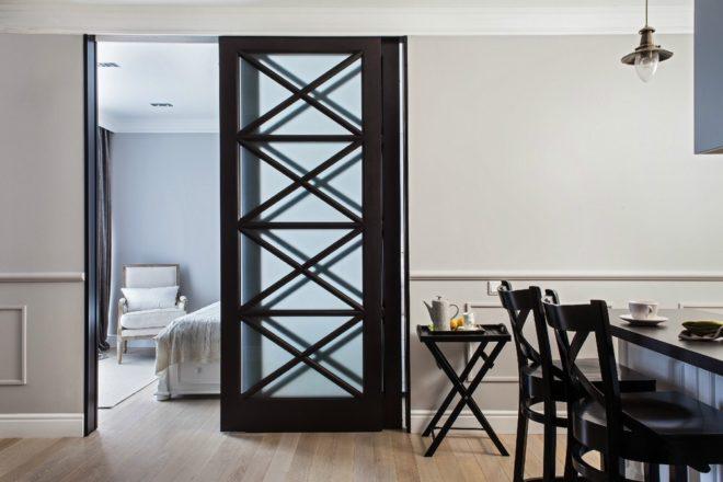 Двери в морском стиле