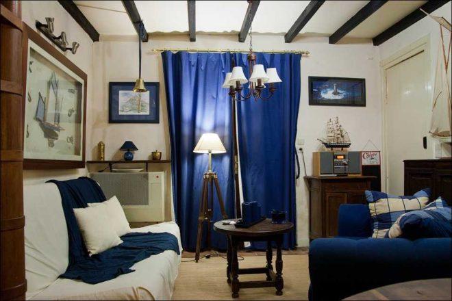 Морской стиль в маленькой комнате