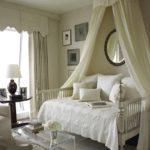 Полог-шатёр над кроватью