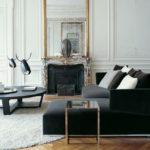 Современный классический интерьер гостиной с камином