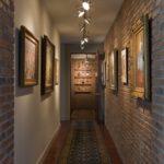 Роскошный и таинственный интерьер коридора