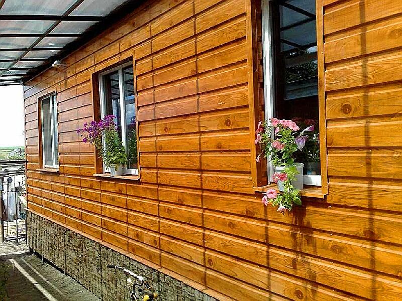 Чем обшить деревянный дом снаружи: какие материалы для отделки лучше