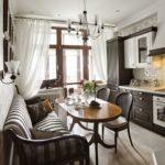 Миниатюрная кухня-гостиная в стиле современная классика
