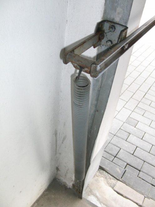 Пружина привода подъёмника