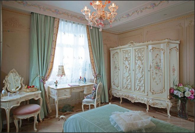 Бирюзовая спальня в стиле барокко