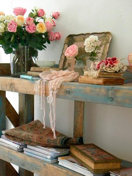 Цветы в интерьере шебби