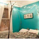 Спальня в бирюзовых тонах — необычное решение