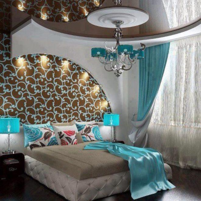 Вариант освещения в бирюзовой спальне