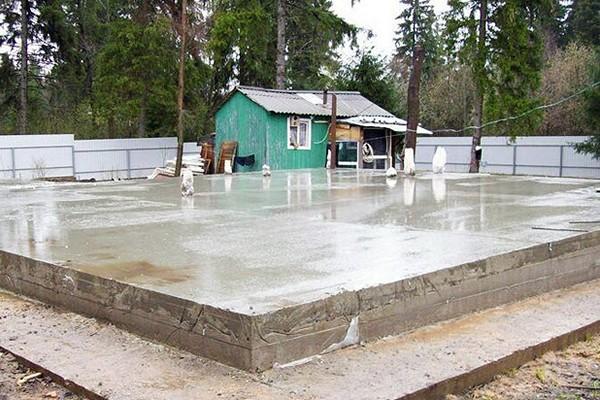 Готовый плитный фундамент для каркасного дома