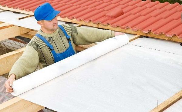 Плёночная гидроизоляция крыши гаража