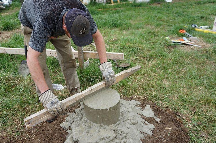 Строим экономичный и функциональный фундамент из труб