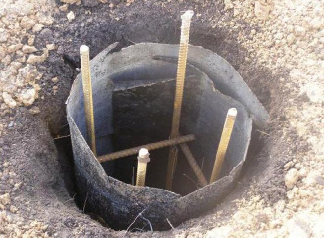 Скважина под заливку бетонной сваи