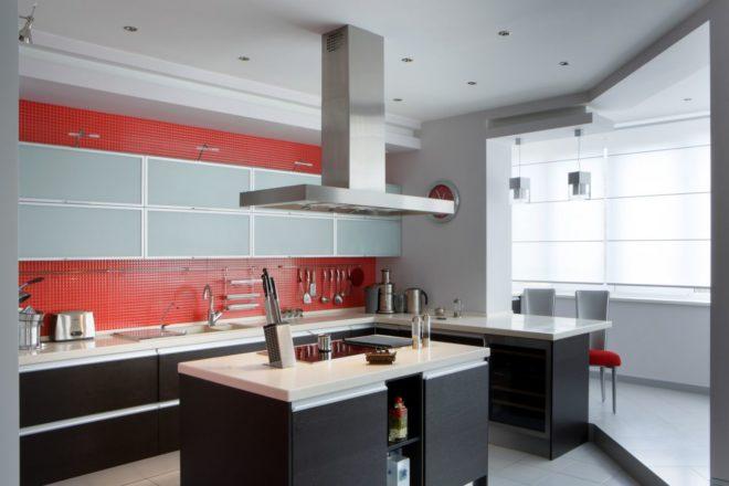 Оформление кухни и лоджии в стиле хай-тек