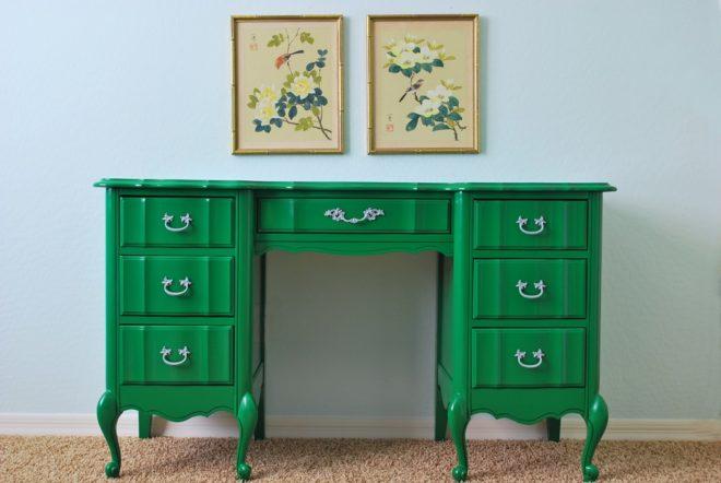Верхний слой зеленой краски