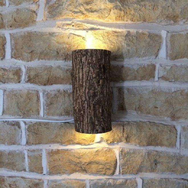 Деревянный настенный светильник