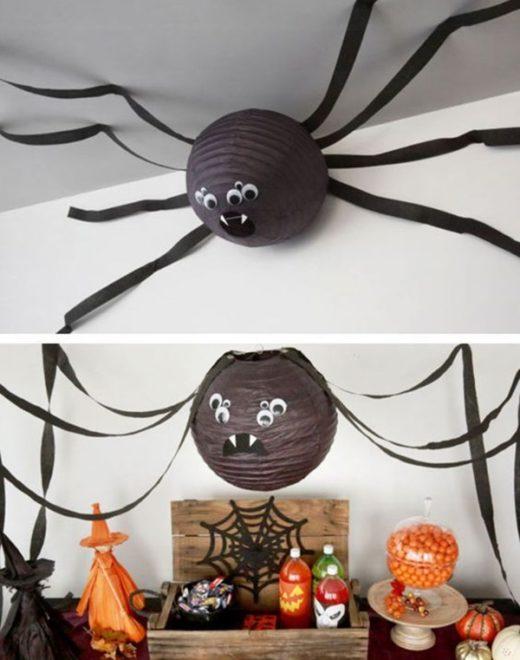 Паук в оформлении помещения на Хэллоуин