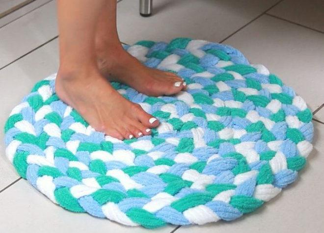 самодельный мягкий коврик