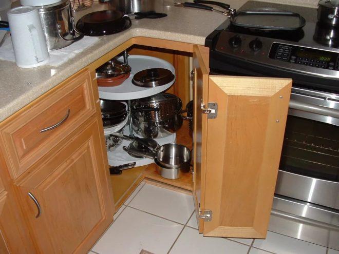 угловое ханилище на кухне