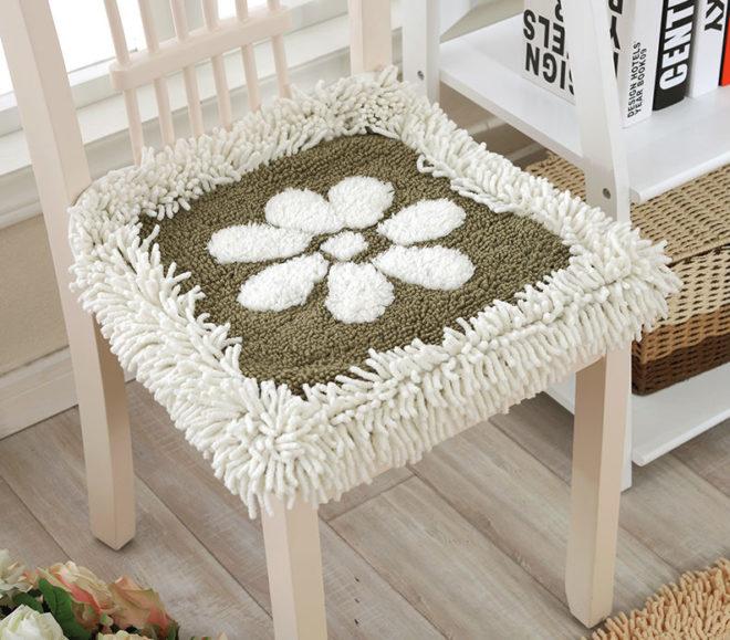сиденье для стула из старого ковра