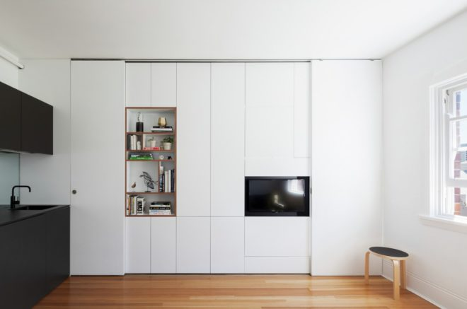 Шкафы в стенной нише