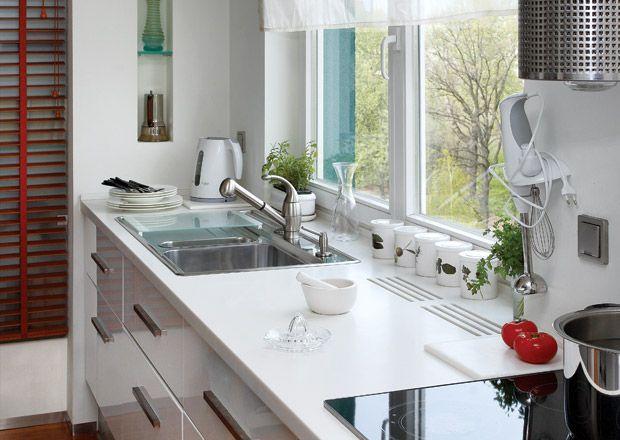 Подоконник как рабочая поверхность на кухне