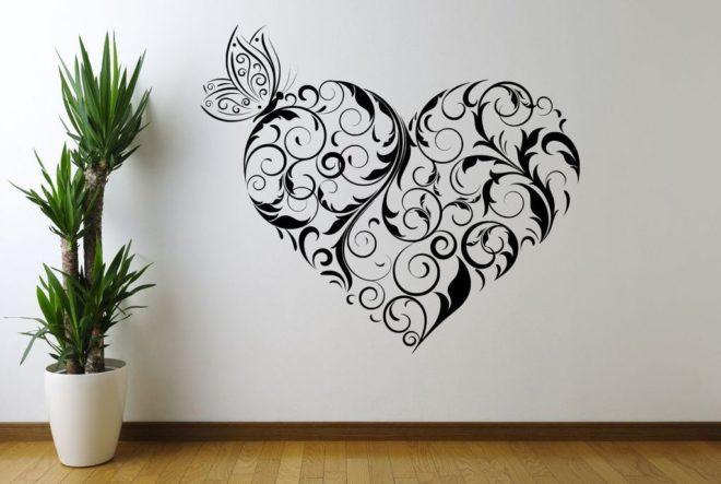 Оформление стен с помощью трафаретов