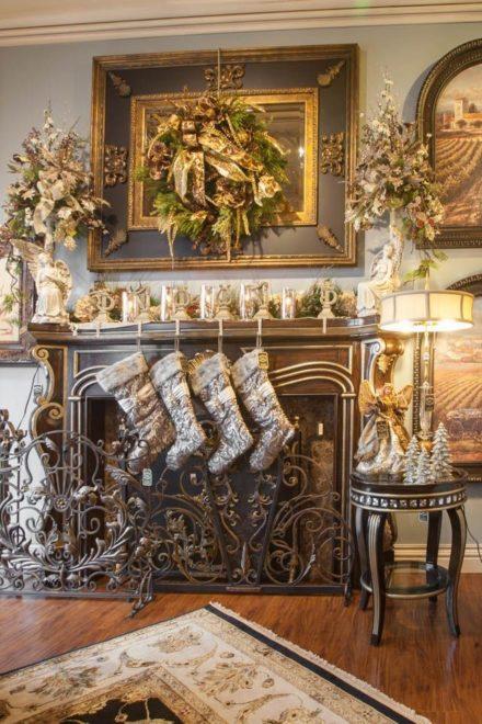 Изысканность и шик в праздничном украшении камина