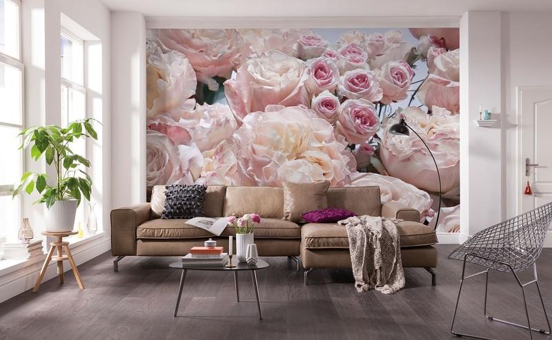 Фотообои с розами в гостиной
