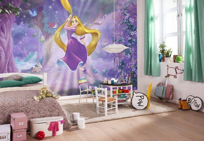 Обои в детской комнате с изображением Рапунцель