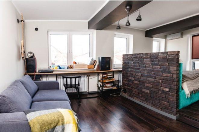 Искусственный кирпич в дизайне однокомнатной квартиры