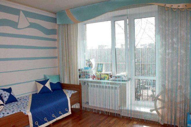 Светлые нитяные шторы в детской комнате