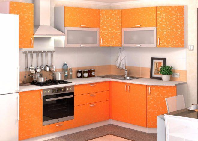 Оранжевый гарнитур с узорами