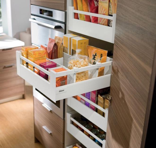 Вместительные ящики на кухне