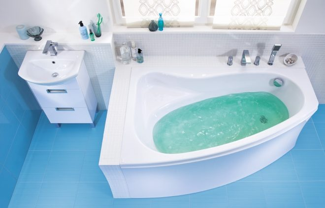 Ванна с водой