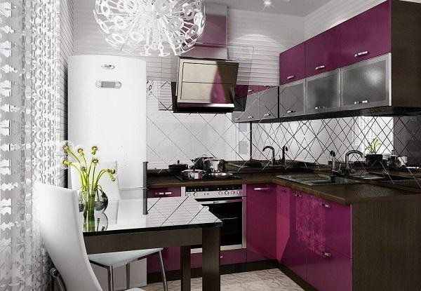 Интерьер угловой кухни в сиреневом цвете