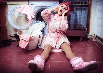 Прыгает стиральная машина при отжиме