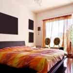 Тюль и шторы в спальне: фото