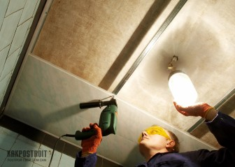 Панели пвх для потолка: использование в интерьере