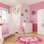 Светло-розовая детская для девочки с цветочным принтом
