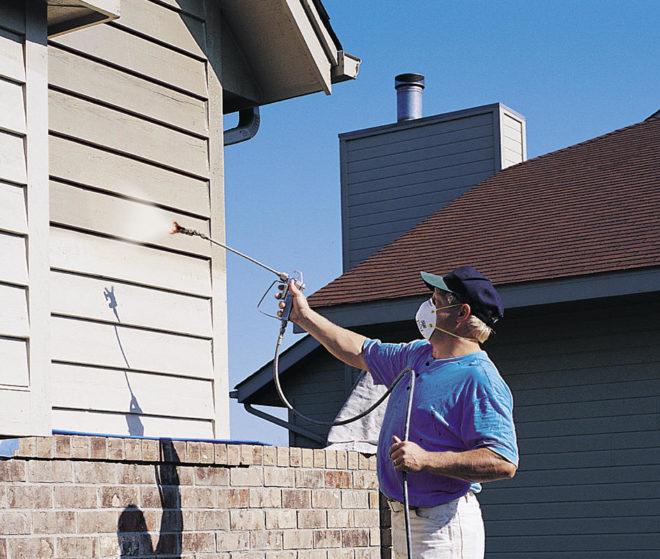 Защита дыхательных путей при покраске фасада