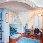 Комната с необычным потолком