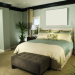 Спальня в цвете мох