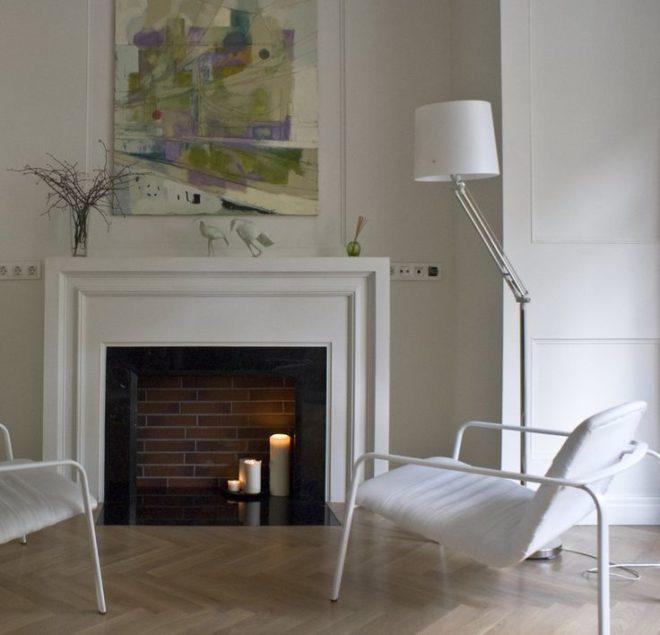 Классический современный интерьер гостиной с оттенком минимализма